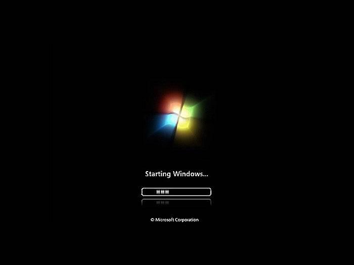 Ozhidaem-nachala-zagruzki-Windows.jpg