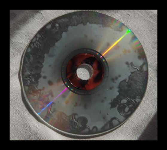 Primer-silno-povrezhdennogo-opticheskogo-diska.png