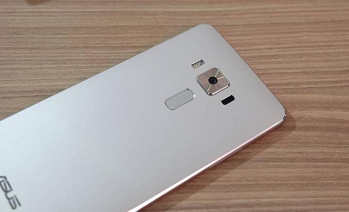 mi-asus-zenfone-3-fp-scanner.jpg